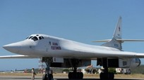 Oanh tạc cơ Tu-160 Nga vượt 10.000 km đến Venezuela diễn tập