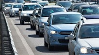 """Bí quyết """"canh"""" xe ô tô cho lái mới, tránh va chạm khi lưu thông ngày Tết"""