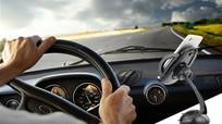 Sai lầm nguy hiểm thường gặp khi cầm vô lăng ô tô