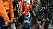 Tình nguyện viên bất cẩn bơm nước ngược vào hang đội bóng nhí Thái mắc kẹt
