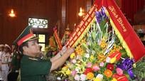 Đại biểu dự Hội thảo Đường 9 - Khe Sanh dâng hương tại khu di tích Kim Liên
