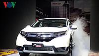 Mua Honda CR-V trước Tết, khách bị ép mua thêm gói phụ kiện 60 triệu?