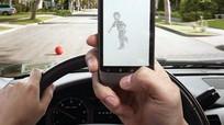 Nhắn tin khi lái xe, hiểm họa trong tích tắc