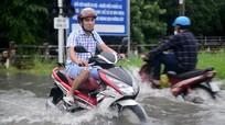 """3 nguy cơ rất dễ gặp phải khi xe máy tay ga """"lội nước"""""""