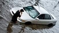 Phải làm gì khi xe ô tô đi vào chỗ ngập?