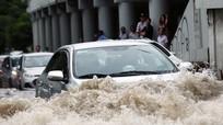 10 việc cần làm khi ôtô bị ngập nước - tài xế Việt cần nhớ