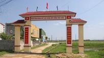 Xôn xao về cổng làng 76 triệu đồng xây trên mương nước