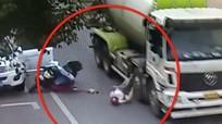 Người phụ nữ thoát chết khi bị xe trộn bê tông cán qua đầu