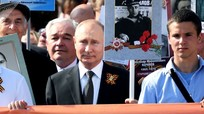Ông Putin nói về cha của mình khi tham gia cuộc diễu hành 'Trung đoàn bất tử'