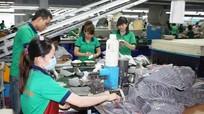 Vì sao rất ít người lao động mất việc được nhận gói hỗ trợ Covid-19?