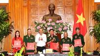 Phó Thủ tướng Thường trực tiếp đoàn người có công tỉnh Nghệ An