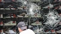 Bạo lực dữ dội ở Stuggart (Đức), xe cảnh sát và cửa hàng bị đập phá