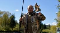 Hình ảnh Tổng thống Putin câu cá, bơi thuyền và qua đêm trong kỳ nghỉ ở Siberia