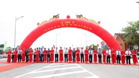 Thủ tướng dự lễ thông xe cây cầu thứ ba bắc qua sông Lam, nối Nghệ An và Hà Tĩnh