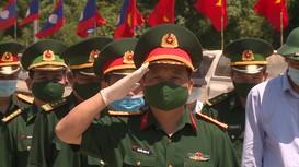 Video: 95 hài cốt liệt sĩ và chuyên gia Việt Nam hy sinh trên nước bạn Lào trở về đất Mẹ