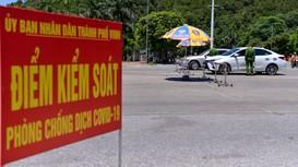 TP Vinh vẫn tạm dừng hoạt động thể dục nơi công cộng; shipper phải xét nghiệm y tế hàng tuần