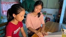 Bí quyết học giỏi của cô học trò nghèo Nghệ An lọt Top 10 khối C toàn quốc
