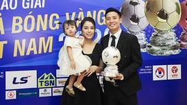Quả bóng Bạc Việt Nam vẫn chưa ký hợp đồng với Viettel;Muangthong tuyên bố kiện Văn Lâm lên FIFA
