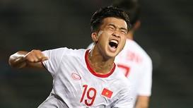 Sang Nhật Bản, Danh Trung khó dự SEA Games 2021; Henderson nguy cơ nghỉ hết mùa và lỡ EURO 2020