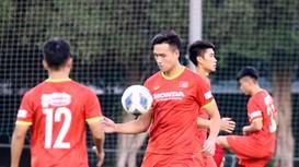 HLV Park sắm vai 'quan sát viên' ở U23 Việt Nam; Tiến Linh trên tầm Son Heung Min ở tầm châu Á