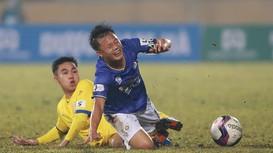HLV Hà Nội tố Nam Định cố tình làm xấu mặt sân; Wayne Rooney giã từ sự nghiệp cầu thủ