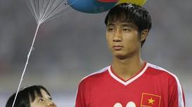 Cựu tuyển thủ Quốc Vượng: 'Tôi rất buồn vì ĐTQG sạch bóng cầu thủ SLNA'