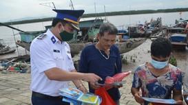 Đẩy mạnh tuyên truyền, phổ biến pháp luật cho ngư dân trong khai thác thủy sản trên biển