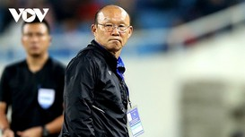 ĐT Việt Nam vươn lên xếp hạng 90 FIFA; Eriksen đổ gục giữa trận Đan Mạch - Phần Lan