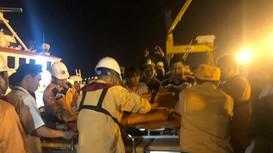 Hình ảnh cứu nạn 19 ngư dân Nghệ An bị đâm chìm tàu