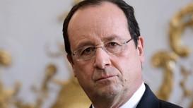Tổng thống Pháp ban bố tình trạng khẩn cấp
