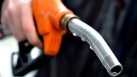 5 cách tiết kiệm xăng tai hại