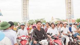 Lễ thông xe cầu Yên Xuân 'hút' hàng nghìn người dân