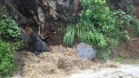 Mưa lũ gây ngập lụt ở miền Tây Nghệ An