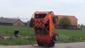 'Độc', 'dị' xế Volkswagen xoay tròn khi chạy tốc độ cao