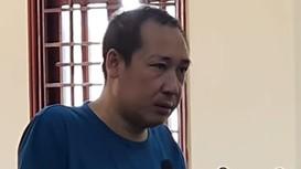 Xét xử người đàn ông đánh con gái 1 tuổi, buộc dây điện kéo quanh nhà