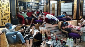 Hơn 50 người tụ tập dùng ma túy trong quán karaoke
