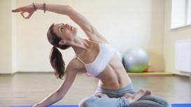 15 phút yoga đơn giản mỗi ngày cho vòng eo quyến rũ