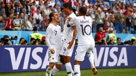 Xem lại 2 bàn thắng ĐT Pháp tiễn ĐT Uruguay về nước