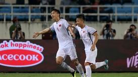 Xem lại siêu phẩm của Văn Hậu khiến thủ môn Oman bó tay