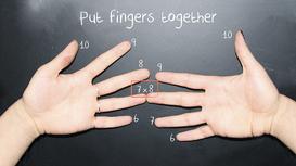 Mẹo tính nhẩm bảng cửu chương 9 với đôi bàn tay