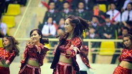 Xem nữ sinh Học viện An ninh nhân dân nóng bỏng trong điệu nhảy dân vũ