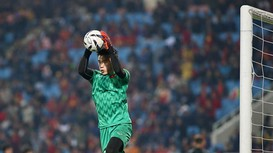 Xem lại sai lầm ngớ ngẩn của Thủ môn Bùi Tiến Dũng trước U23 Indonesia