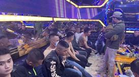 Nghệ An: Bắt quả tang 30 đối tượng mở 'tiệc ma túy' ở quán karaoke