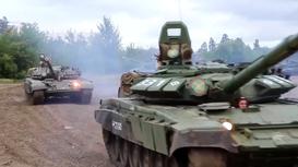 Xem dàn xe tăng 'khủng' của Nga nhả đạn