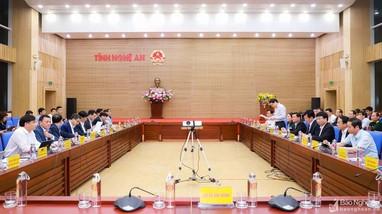 Video: Bộ trưởng Bộ Y tế Nguyễn Thanh Long làm việc tại Nghệ An