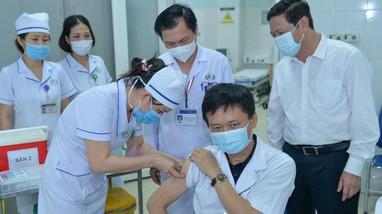 Nghệ An triển khai tiêm vaccine phòng Covid-19: Chưa ghi nhận phản ứng mạnh sau tiêm