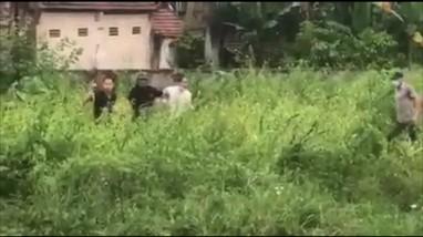 Video: Hiện trường nổ súng bắt đối tượng chém người đàn ông tử vong tại chỗ
