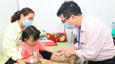 Chuyên gia khuyến cáo người dân Nghệ An không hoang mang vì bệnh viêm màng não