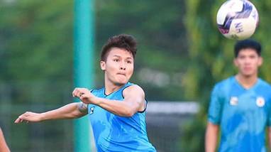CLB Hà Nội cho cầu thủ xả trại đến hết tháng 8;Cầu thủ 2 lần 'đốt lưới nhà' vẫn được tung hô