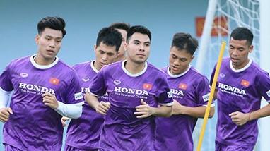ĐT Việt Nam ấn định ngày lên đường sang Saudi Arabia;Barcelona không thể ký hợp đồng mới với Messi